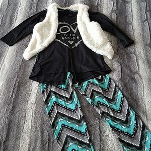 Other - Girls 3 piece outfit size 7/8